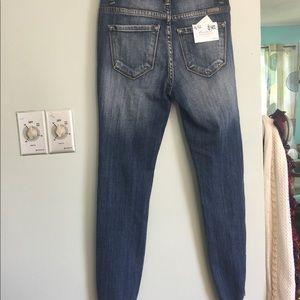 KanCan Distressed Jeans Estillo Ripped
